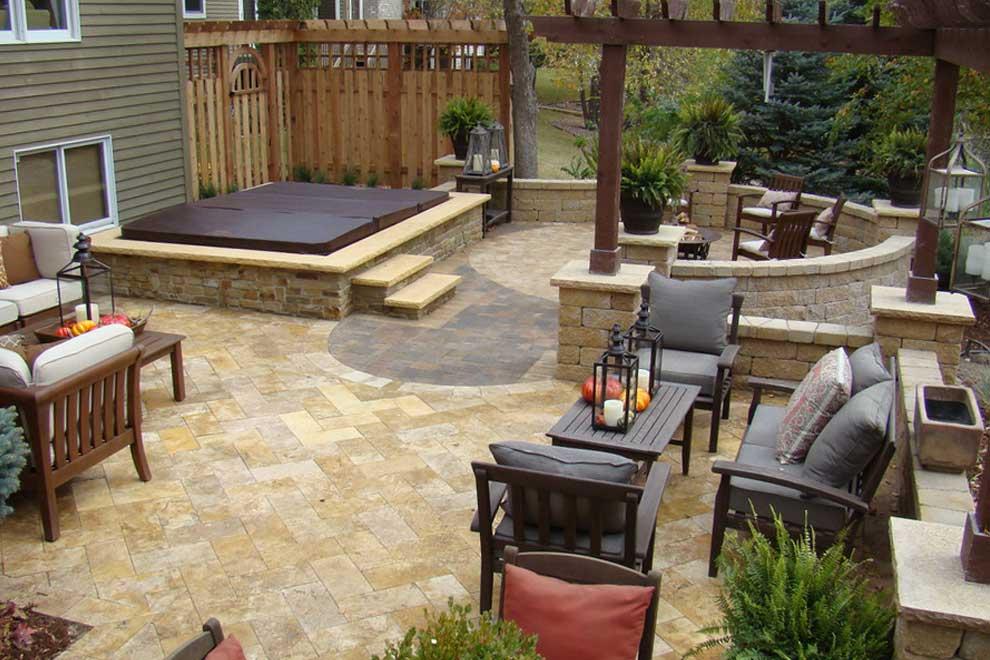 Diy Concrete Patio In 8 Easy Steps How To Pour Concrete Slab